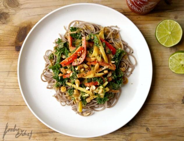 Ensalada thai de soba y kale