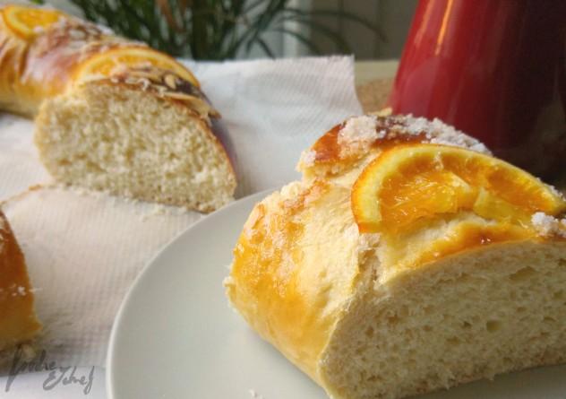 Agradezco a mi primer roscón los desayunos que me ha dado estos días. Quieres un trocico? - by BeaChan